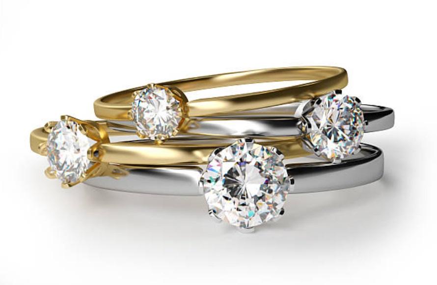 diamond rings yellow gold